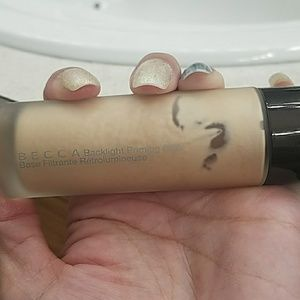 - becca backlight priming filter -
